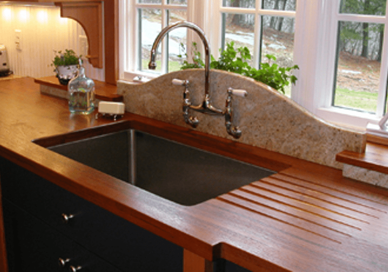 Wood Countertop with Sink Drain of Cherry Wood